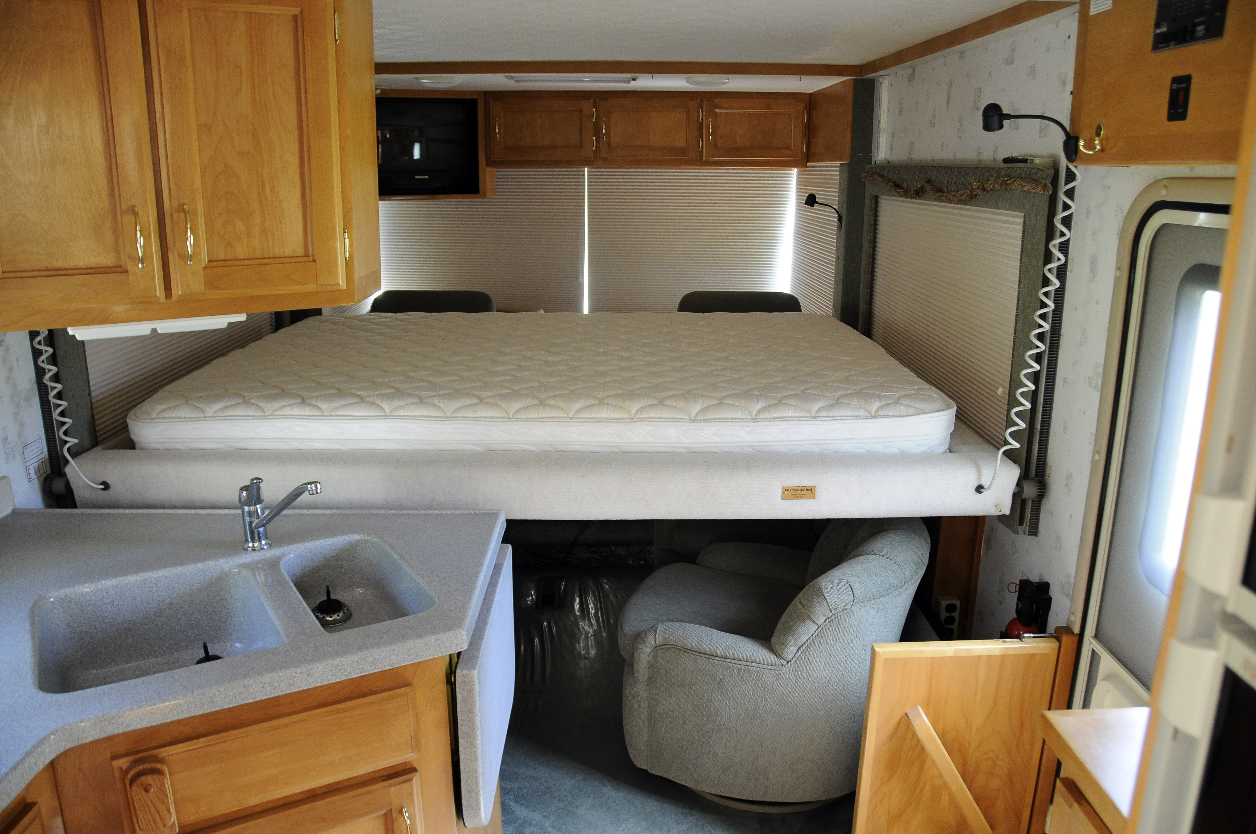 31 Cool Motorhome Inside Bathroom
